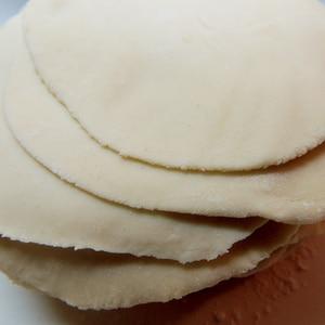 薄力粉とお湯だけ!超簡単で美味しい☆手作り餃子の皮