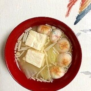 白菜、木綿豆腐、えのき、手毬麩のお味噌汁