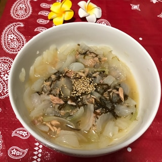 [レンジ](温)玉ねぎ&ツナのもずく酢サラダ
