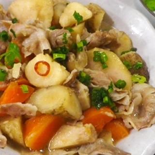 豚バラ里芋ごぼう人参の煮物