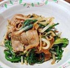 豚バラと春菊の中華味噌炒め