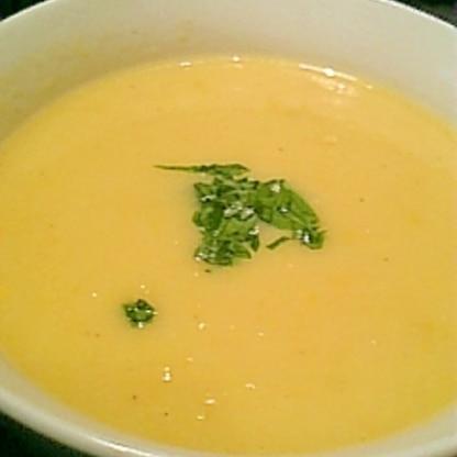 超簡単!混ぜて煮るだけコーンクリームスープ♪