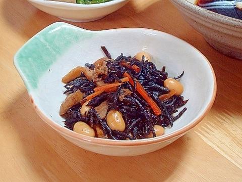 大豆の水煮入りひじきの煮物