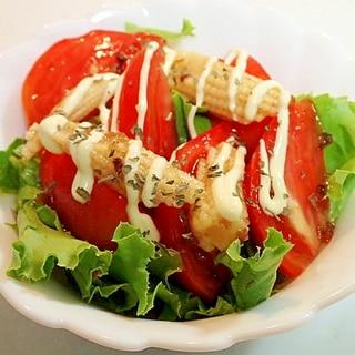 グリーンレタスとトマトとヤングコーンのサラダ