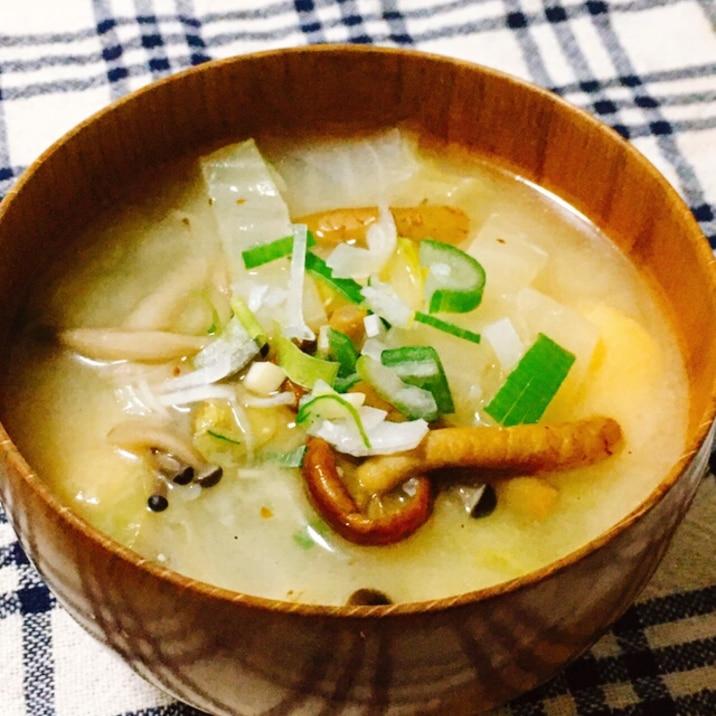 白菜とぬめりすぎたけのお味噌汁
