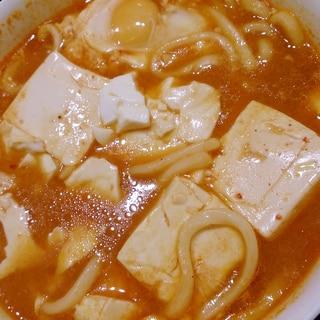 スンドゥブスープの素で簡単煮込みうどん