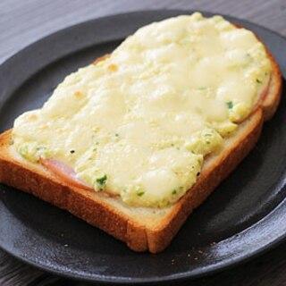 タルタルソースで、ハムとタルタルのチーズトースト