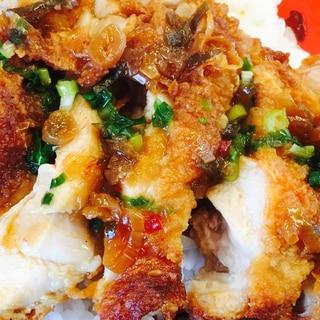 アレンジ!鶏ムネ肉唐揚げの油淋鶏風丼