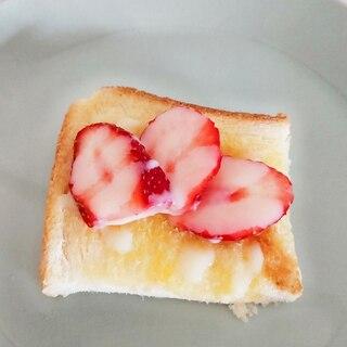 母の日に♡いちごとコンデンスミルクのトースト