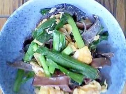 ニラ、キクラゲ、卵、干し海老の炒め物