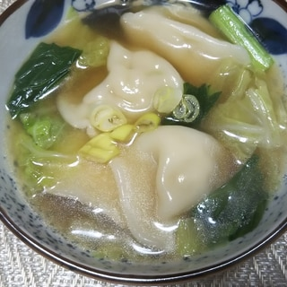 水餃子入り中華スープ☆