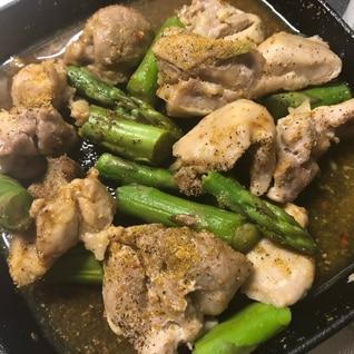 タンドリーチキン風 鶏とアスパラのカレー炒め