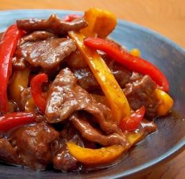 牛ハラミ肉とパプリカのオイスター炒め