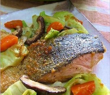フライパンでささっと!鮭のちゃんちゃん焼き