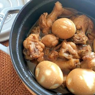 ストウブで作る☆鶏手羽元とゆで卵の煮物