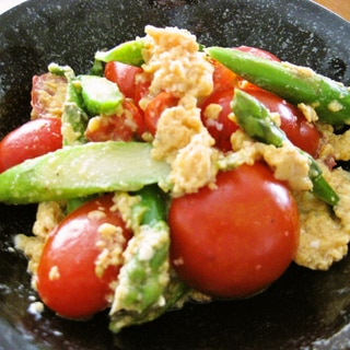 簡単!美味しい♪トマトとアスパラの卵炒め★