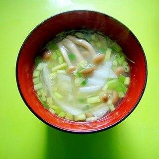 白菜としめじ小葱の味噌汁