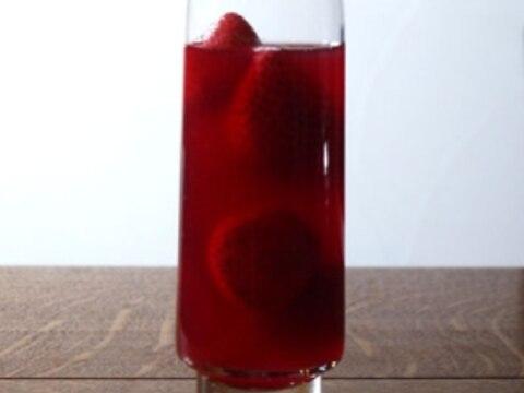 真っ赤いちごのサングリア