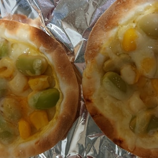 餃子の皮で!枝豆とコーンのミニピザ