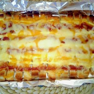パン耳でピザトースト