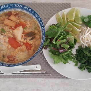 【ベトナム料理】胃に優しい麺ブンリュウ