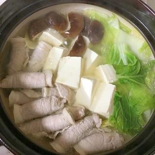 白ネギ豚巻と椎茸白菜の湯豆腐鍋♡