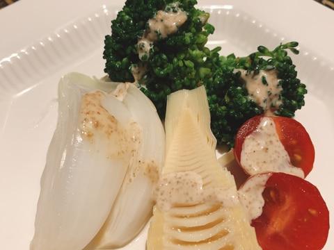 旬のタケノコ、新たまねぎのサラダ