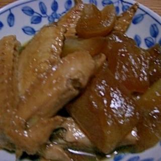 圧力鍋でホロホロ♪鶏手羽と冬瓜の煮物
