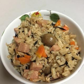 スパム ジューシー 沖縄風炊き込みご飯