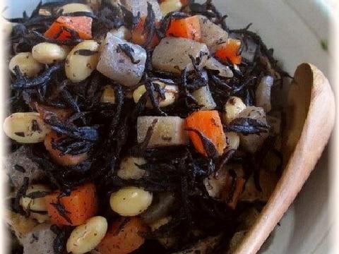 大豆入りひじきの五目煮