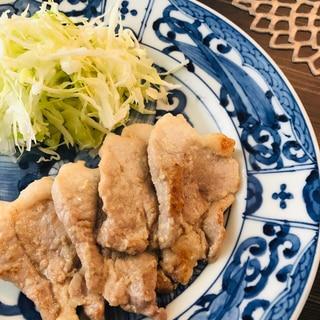 豚かたまり肉☆にんにく塩麹漬け焼き