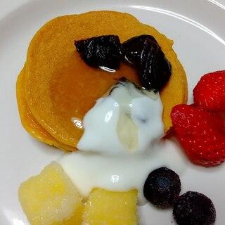 ホットプレートで♡プチパンケーキ*フルーツ添え♪