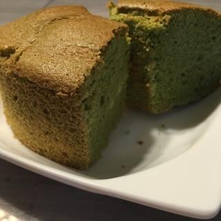 米粉と米油の抹茶風シフォンケーキ