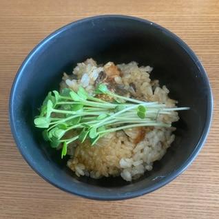 ゴマ香る 鰻の蒲焼の炊き込みご飯