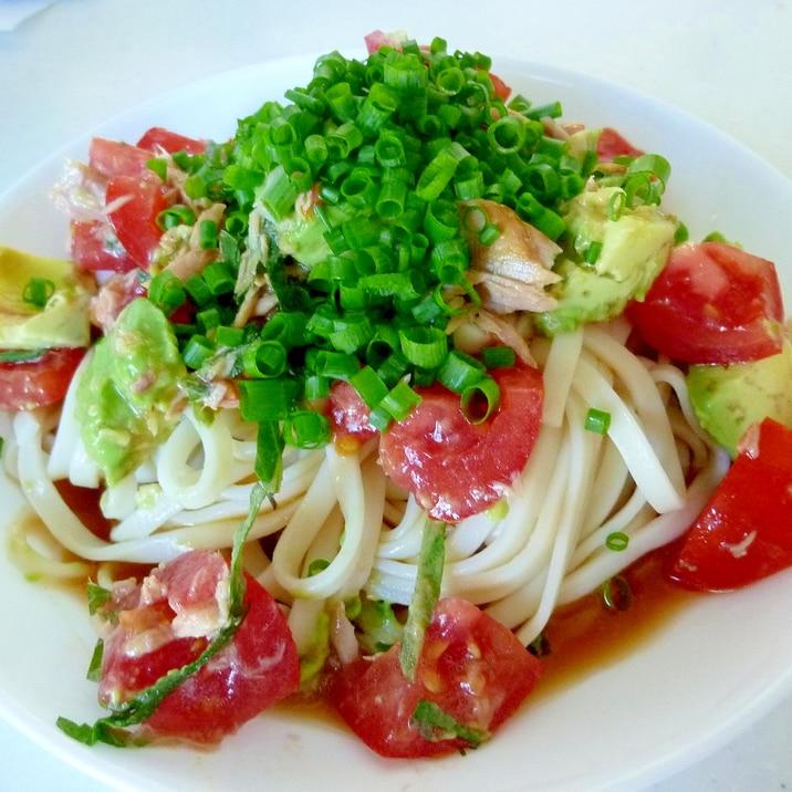 ☆具だくさん♪ アボカドとトマトのサラダうどん☆