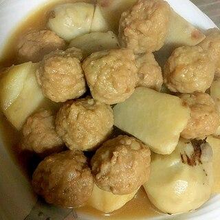 冷凍肉団子とサトイモの煮物