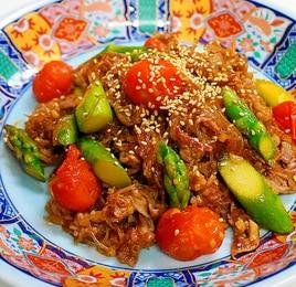 牛肉とアスパラとトマトの炒め物