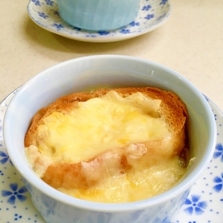 飴色玉ねぎの作り置きと★オニオングラタンスープ