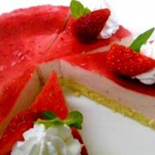 マーブル模様がかわいい いちごババロアケーキ