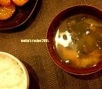 キャベツとワカメのお味噌汁