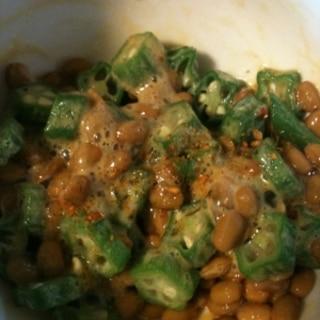 七味唐辛子たっぷりオクラ納豆