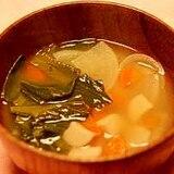 具だくさんお味噌汁(小松菜、大根、人参等)
