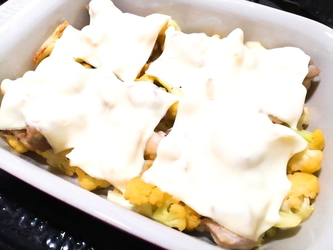 鶏もも肉とカリフラワー☆チーズ焼き