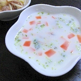 ★離乳食後期★人参とブロッコリーのミルク煮