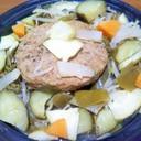 ハンバーグ&冷蔵庫にあるもの野菜でタジン蒸し
