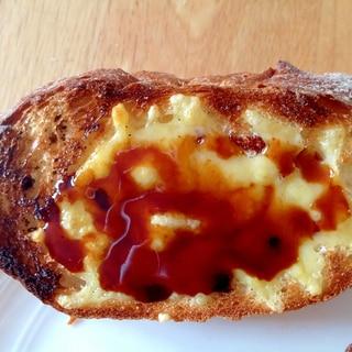 デーツチーズトースト