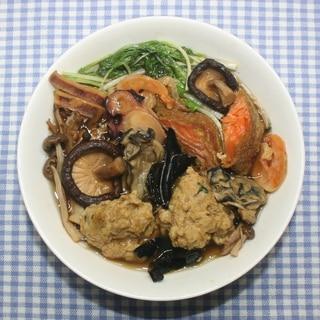 カレー干し鮭と乾燥海鮮&キノコでブイヤベース風鍋