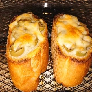チーズオリーブトースト