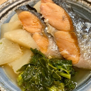 鮭のあらとかぶらの蒸し煮