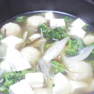 キャベツの搾り汁で肉ボールスープ